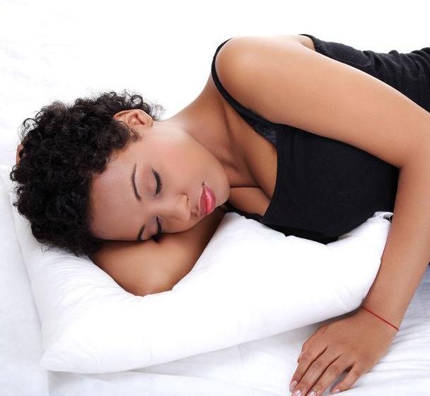 4 m thodes de prot ger ses cheveux pendant la nuit nappy n 39 ko conseils astuces pour cheveux. Black Bedroom Furniture Sets. Home Design Ideas